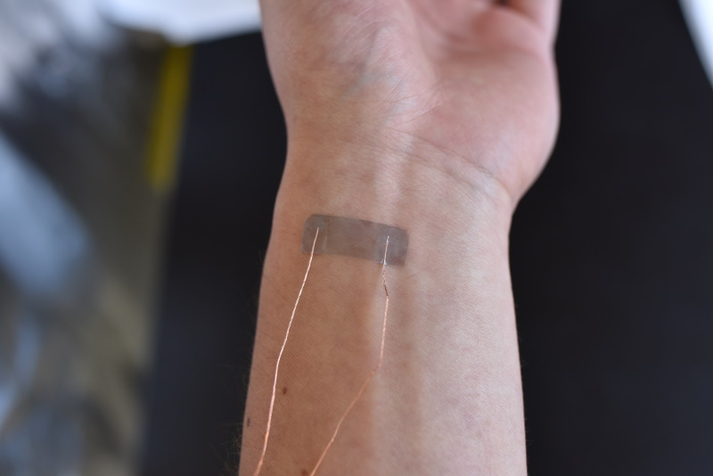 July 15, 2021 | Wearable Sensors with Wide-Ranging Strain Sensitivity